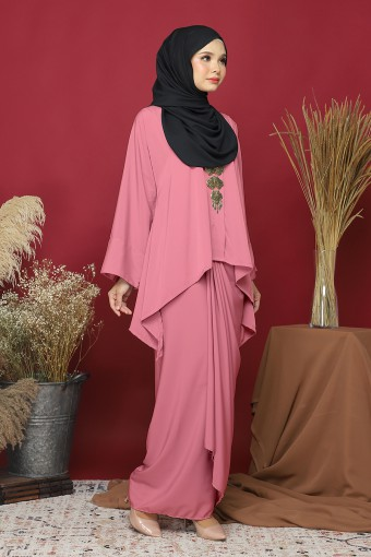 Kebaya Kaftan Afya set in Rose Pink