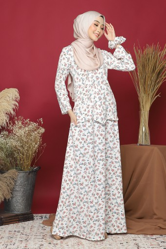 Kebaya Andaman Set In White Coral