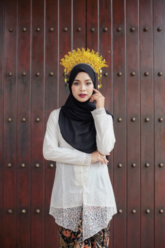 Kebaya Sulam Luxe - WHITE (TOP ONLY)